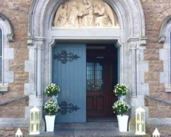 Church Door Decorated Lanterns and Bay Trees - R103