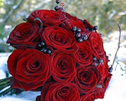 Rose Berry Bouquet B62