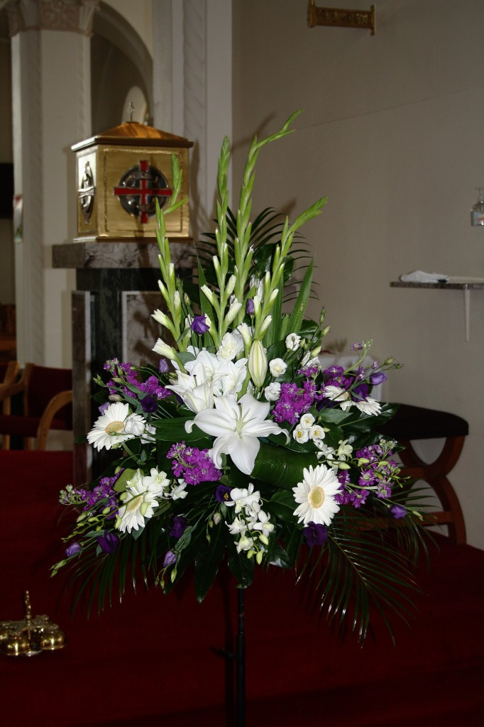 Purple White Church Wedding Flowers C78