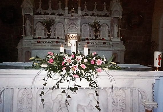Church and ceremony flowers wedding flowers galway church wedding flowers c73 junglespirit Gallery